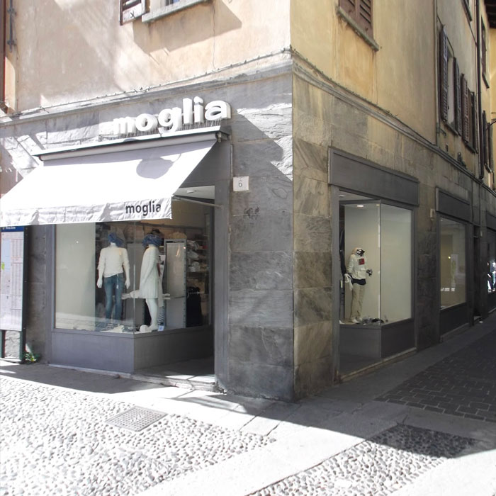 Shopping in Como - Kidswear Moglia
