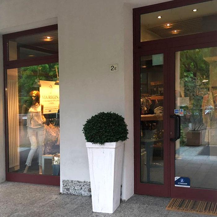 Womenswear shop, Via regina, Cernobbio, Como Lake