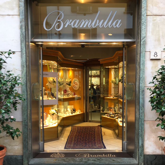 Shopping in Como - Jewels and watches Brambilla shop