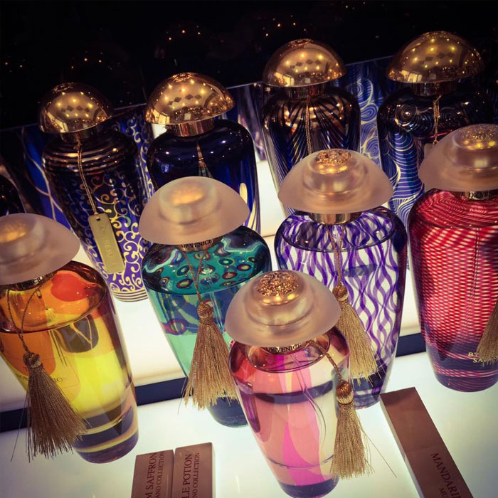 Charme, Parfums in Como