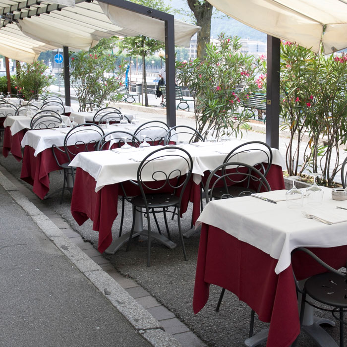 Restaurant Antica Riva in Como, with terrace on the lake