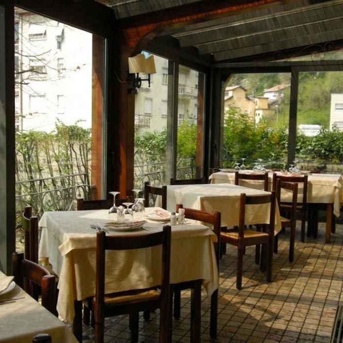 La Zuppiera, restaurant and wine shop in Canzo, Como