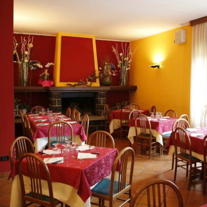 Pizzeria La Tenda Rossa in San Fedele Intelvi, Como
