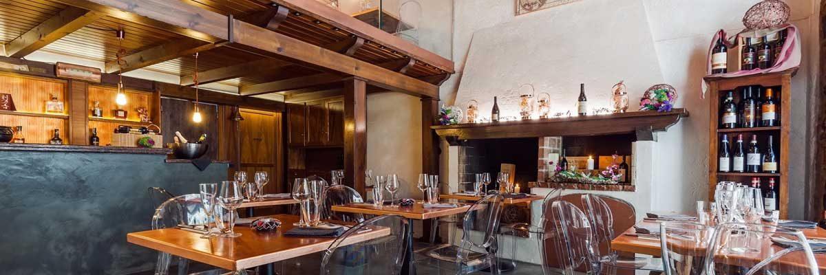 Restaurant Breeze Inn, in Como downtown